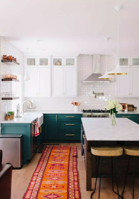 Inspiring kitchen cabinet colour schemes